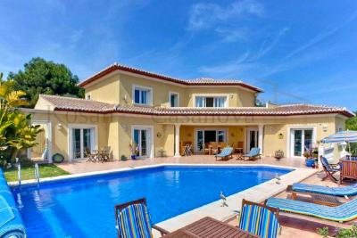 Luxurious villa near the golf club in Javea