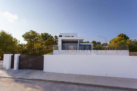 Moraira / Teulada- A contemporary Villa, bright and airy, with openspaces, ideal for modern living pic 3