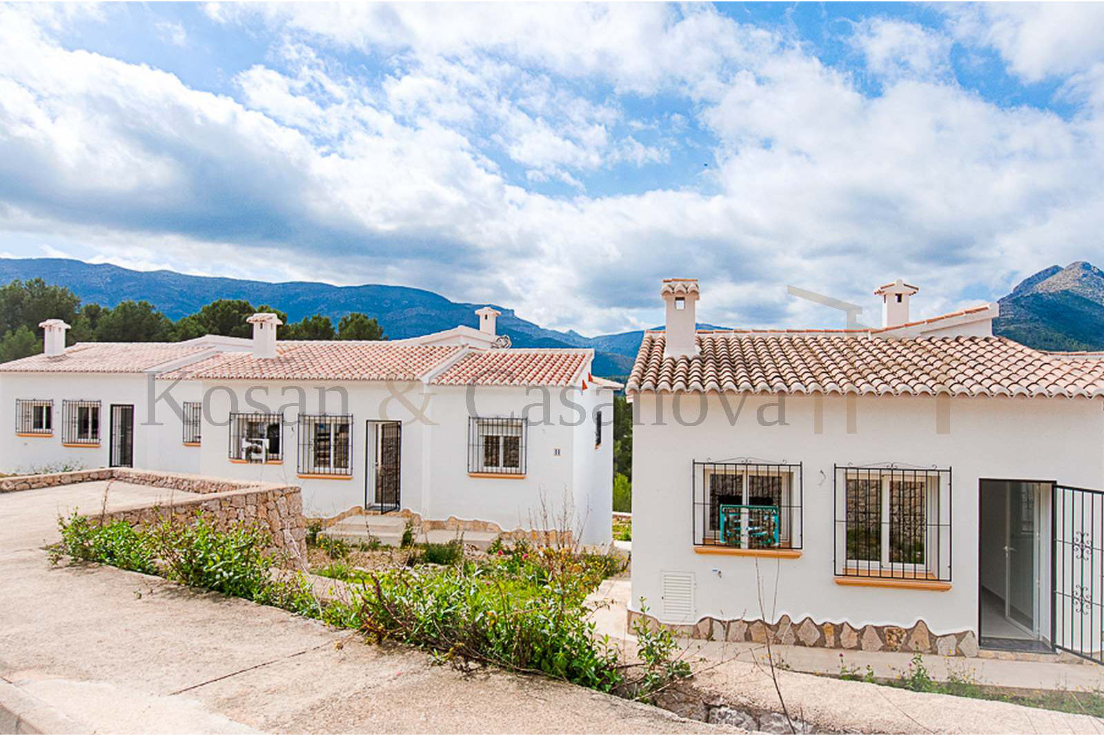 Murla- Detached villas, ready to move into on the Costa Blanca pic 4