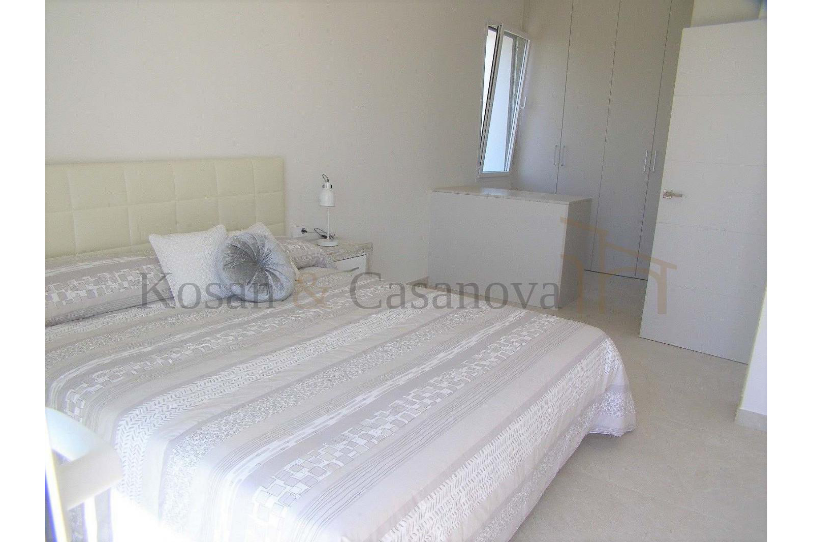 Moraira / Teulada- A contemporary Villa, bright and airy, with openspaces, ideal for modern living pic 17