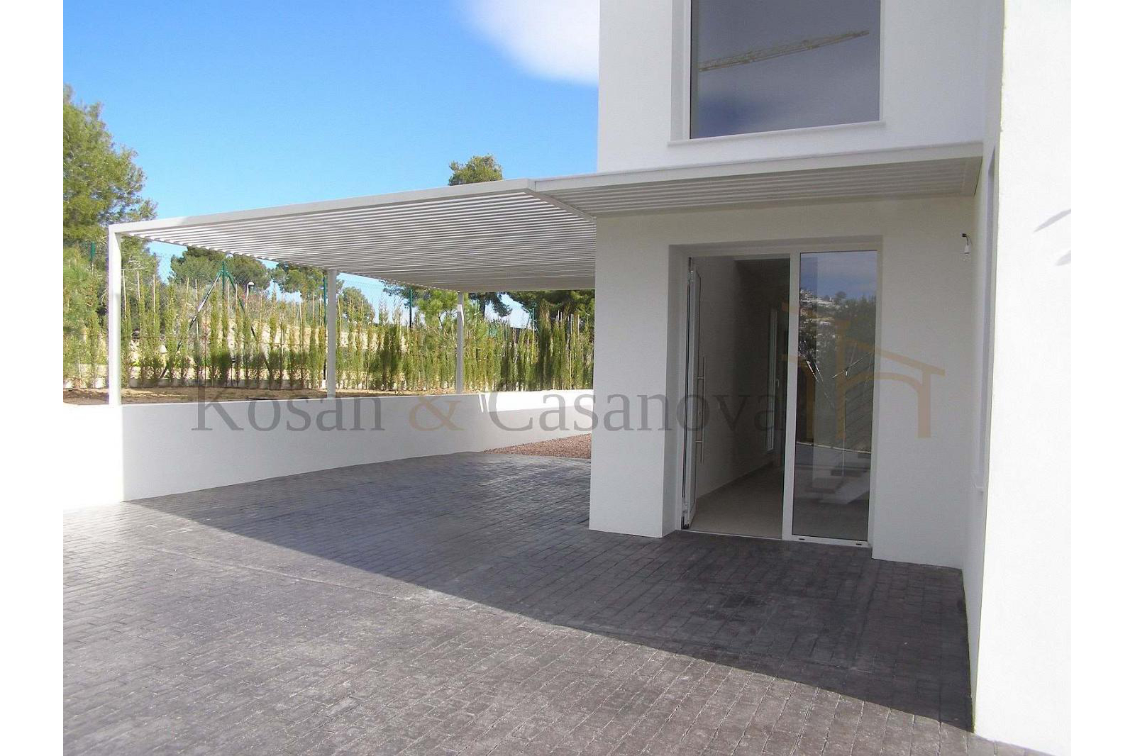 Moraira / Teulada- A contemporary Villa, bright and airy, with openspaces, ideal for modern living pic 5