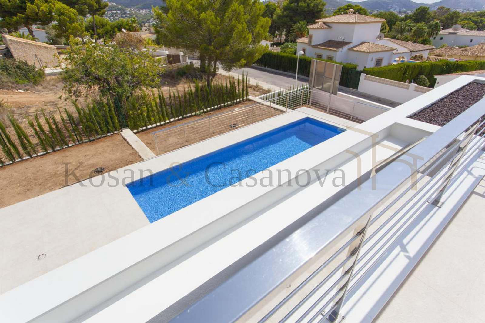 Moraira / Teulada- A contemporary Villa, bright and airy, with openspaces, ideal for modern living pic 6