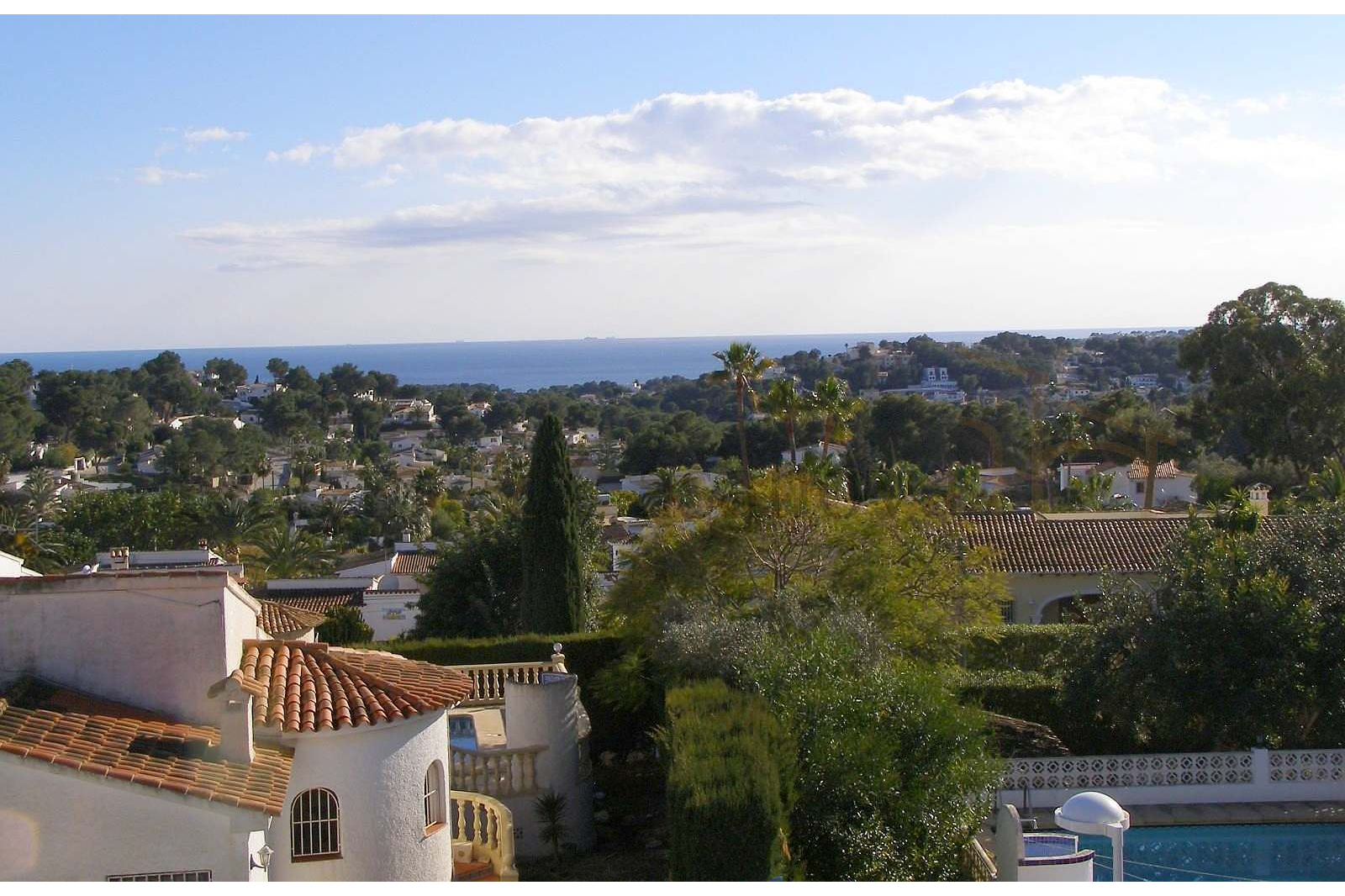 Moraira / Teulada- A contemporary Villa, bright and airy, with openspaces, ideal for modern living pic 7